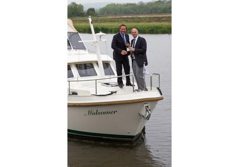 Hobbs of Henley Midsomer Boat
