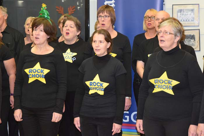 Living Advent Calendar 7 December - Henley Rock Choir