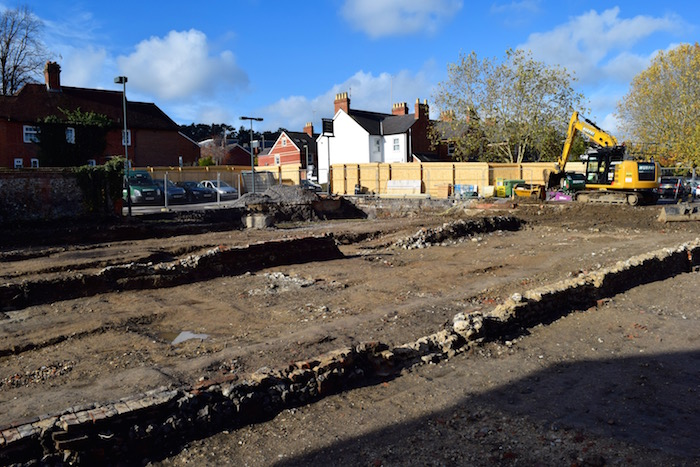 Gardiner Place Market Place Mews Archaeological Site Uncovers Henley Artefacts