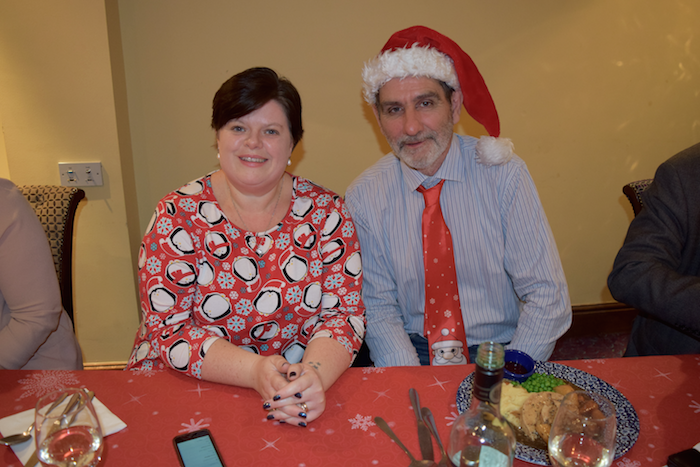 Cracking Christmas Celebration Lunch For Gainsborough Over 60s Social Club At Catherine Wheel